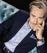 ELEGANT BLÅ-RUTIG BUSINESSKJORTA - DETALJER PÅ MANSCHETT - REGULAR CUT